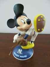 Danbury Mint Mickey Mouse New York Yankees Figure
