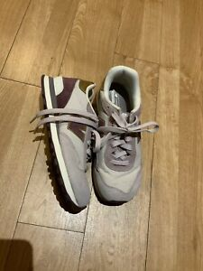 Boys New Balance White/Purple Trainers, Size 1 Eur 33