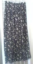Women's Jonathan Martin 100% Rayon BELOW KNEE Black and White Floral Skirt SizeM
