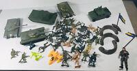Lot Vintage Plastic Army Figurines Jeep And 4 Tanks