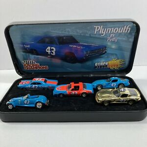 RICHARD PETTY SET OF 5 STOCK RODS 1:64 SCALE RARE SET IN BLACK CASE