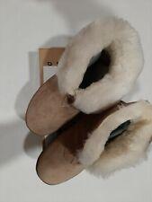 Womens sheepskin slippers size 7 Bootee