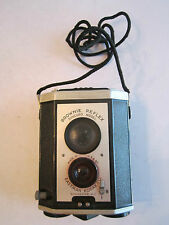 VINTAGE BROWNIE REFLEX SYNCHRO MODEL CAMERA - EASTMAN KODAK - IN CASE - TUB OFC