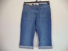 Women's Route 66 Capri Jeans. Size 7/8 Average. 99% Coton/ 1% Spandex.