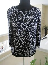 ST JOHN COLLECTION BLACK AND WHITE ANIMAL PRINT TOP, SIZE 6