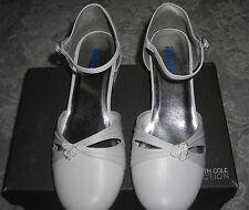 Kenneth Cole Reaction Girls Rosebud White Dress Rhinestone Buckle Shoes 4 M