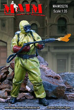 1/35 Escala Kit De Resina sobreviviente en traje de radiación + Lanzallamas – Zombie WARS -