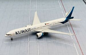 Phoenix 1/400 Kuwait Airways Boeing 777-300ER 9K-AOD die cast metal model