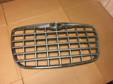 2005 2006 2007 2008 2009 2010 Chrysler 300 front grille 04806365AA