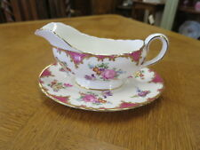 """Aynsley """"Wilton"""" Gravy Boat And Underplate"""