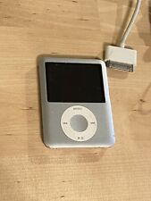 iPod Nano 3rd Generation 4gb Used Bundle Headphones and Charger
