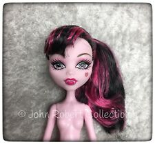 MONSTER HIGH DRACULAURA SCARIS CITY OF FRIGHTS NUDE DOLL NEW