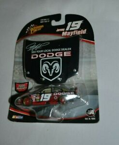 2006 WINNER'S CIRCLE 19 JEREMY MAYFIELD HOOD MAGNET DODGE