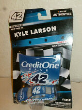 #42 KYLE LARSON CREDIT ONE HOOD 2019 WAVE-02 LIONEL NASCAR AUTHENTICS 1/64