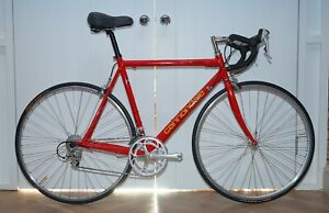 54.5CM VINTAGE RETRO 1993 CANNONDALE R400 ROAD BIKE SUPER COOL AND COLLECTABLE