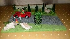 MODEL ROAD DIORAMA  c/w FIGURES AND PORSCHE 550 SPYDER 1:43 SCALE RD2
