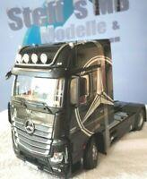 +++ Mercedes Benz Actros GIGASPACE 4x2  1:18 Sattelzugmaschine NZG Modell +++