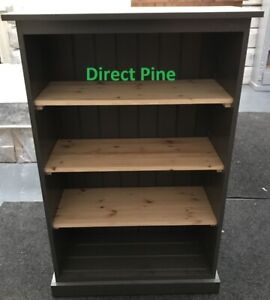 PINE FURNITURE AYLESBURY 4FT BOOKCASE IN DARK GREY WITH NATURAL PINE SHELVES