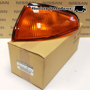 NEW GENIUNE Nissan Skyline R32 GTR Turn Signal Light Assembly Left 26129-05U00