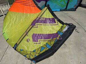 Liquid Force Hifi X2 2018 11M Kite Kitesurf -  complete with bar and lines!