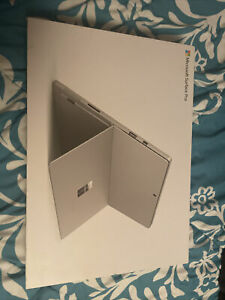 Microsoft Surface Pro 6 8gb.