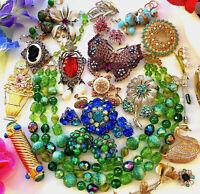Great LOT 26 Vintage RHINESTONE Jewelry Pins 9 SIGNED Trifari Coro Sarah Germany