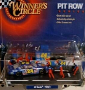 ***FREE JEFF GORDON BOBBLE HEAD *** WITH PURCHASE OF PIT ROW SERIES