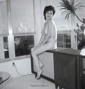 Bunny Yeager 1960 Camera Negative Body Beautiful Figure Model Kitty Alden Nude