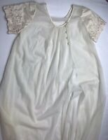 vintage Val Mode 100% nylon sweep bottom Ivory White Robe night gown Sz Small