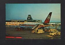 MONTREAL (CANADA) AVION DC-8 AIR-CANADA à l'AEROPORT animé en 1967