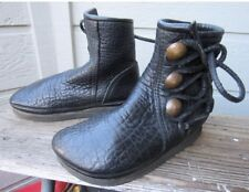 BUFFALO MOCCASINS, HANDMADE 6 BLACK W COPPER COINS Catskill Footloose Bald Mount
