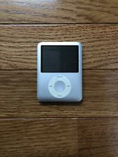 APPLE iPod NANO 3rd Generation Silver 4GB MP3 Player Works Great!