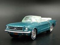 1964 64 Ford Mustang Convertible Raro 1:64 Escala Diorama Modelo Fundido Coche