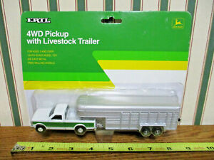 John Deere Ford Pickup With Gooseneck Livestock Trailer By Ertl 1/64th Scale >
