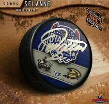 TEEMU SELANNE Signed 2014 NHL Stadium Series Puck - Anaheim Ducks