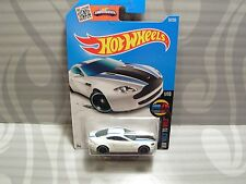 2016 Hot Wheels ''Hw Mild To Wild'' #56 = Aston Martin V8 Vantage = White int