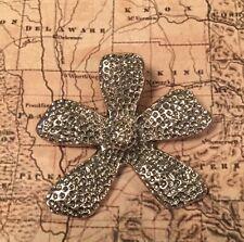 Silpada S1101 Sterling Silvr Textured Daisy Flower Pendant S1101 Rare $49.00