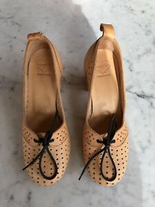 NEW Swedish Hasbeens Pumps Size 35
