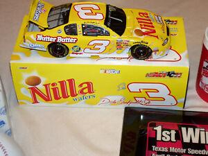Dale Earnhardt Jr #3 Nilla Wafers/ Nutter Butter 2002 NASCAR 1:24 DieCast