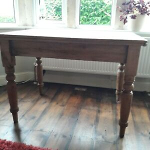 SOLID PINE VICTORIAN KITCHEN TABLE