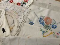 VINTAGE EMBROIDERED LINENS LARGE MIXED LOT,TABLECLOTHS, RUNNERS,TOWELS