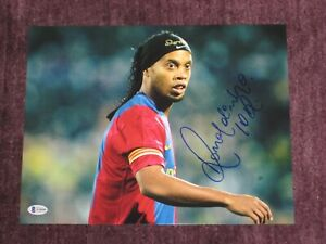 RONALDINHO Signed 11x14 PHOTO w/ Beckett COA