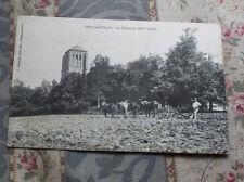 CPA Thil La collégiale Chevaux paysans labourage charrue
