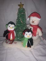 HALLMARK 2006 ANIMATED MUSICAL PLUSH SNOWMAN w/PENGUINS AND CHRISTMAS TREE