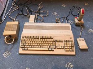 Commodore Amiga 500+ (plus) bundle includes PSU joystick mouse