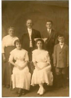 Original Antique Photo-OTTO GRUBER Family Group of 6-Lady Large Bow
