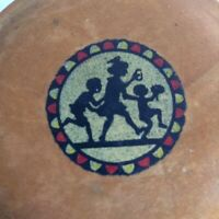 Vintage Round Wood Trinket Box. Painted Silhouette of 3 children.   Charming