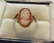 Lovely Ladies Early Vintage Solid 9 Carat Gold Old Portrait Shell Cameo Ring Q.5