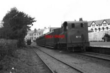 PHOTO  1990 PORT ERIN RAILWAY STATION LOCOMOTIVE NO 11 'MAITLAND' RUNNING BUNKER