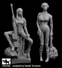 Black Dog 1/35 Women Hunters Cyborgs Set (2 figures)